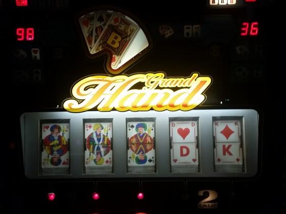 3 Bubenjackpotausspielung und dann 100 S Spiele als Ergebnis, Grand Hand 2